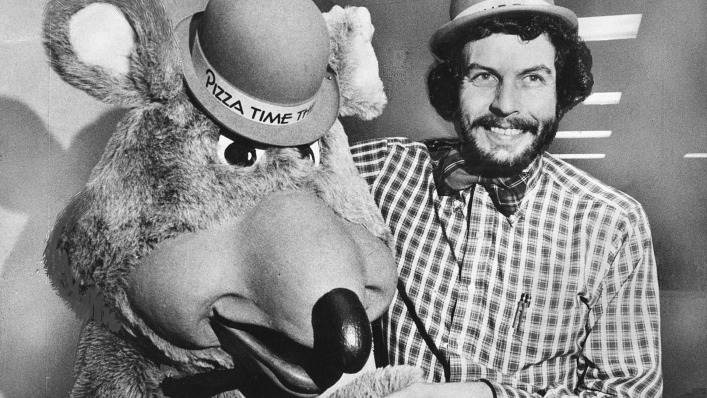 Nolan Bushnell and Chuck E. Cheese